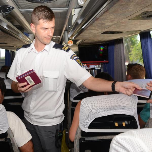Poliţia de Frontieră Română a luat măsuri pentru fluidizarea traficului de călători la nivelul întregii ţări