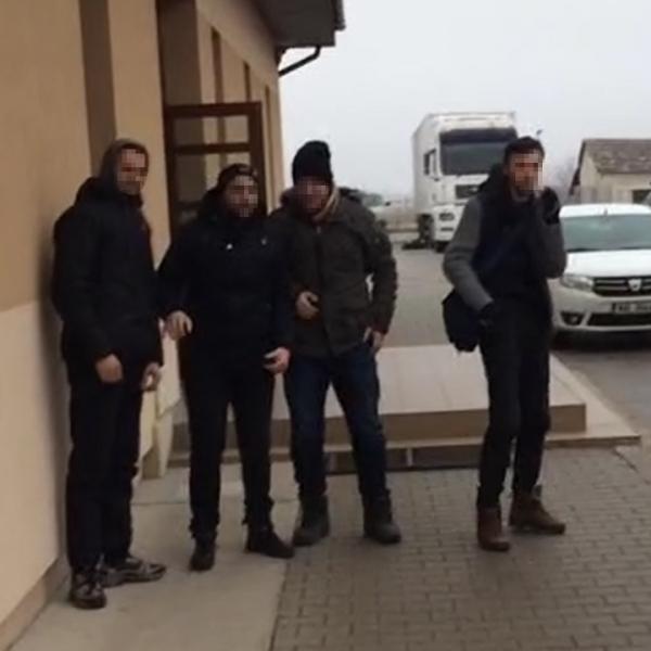 Patru cetățeni din Kosovo, opriți la frontiera de sud-vest