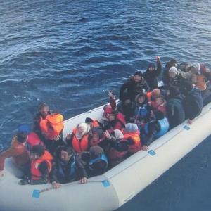 34 persoane salvate din apele Mării Egee de poliţiştii de frontieră români aflaţi în misiune FRONTEX în Grecia