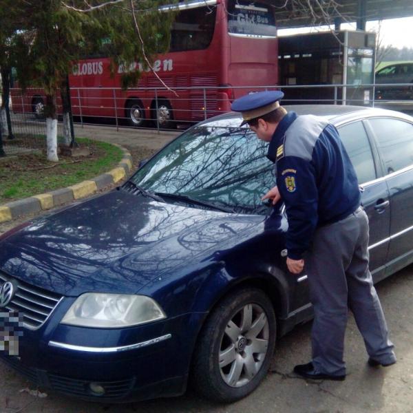 Autoturism căutat de autorităţile spaniole, descoperit la P.T.F. Albiţa