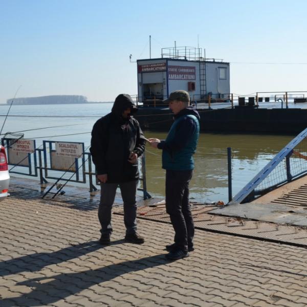Un bărbat condamnat la închisoare și dat în urmărire generală a solicitat aviz pentru pescuit de la Poliția de Frontieră din Galați