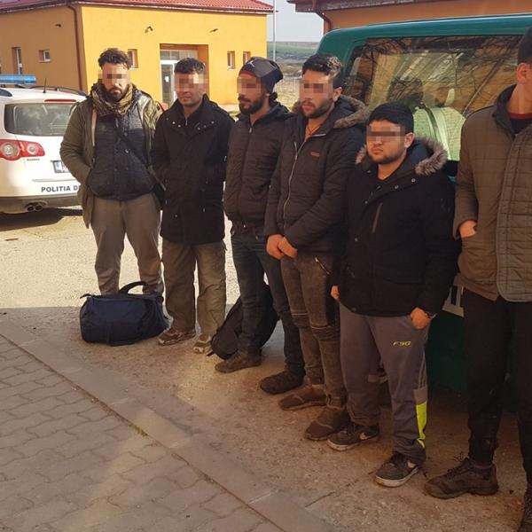 Șase cetăţeni străini, depistaţi de polițiștii de frontieră de la Naidăș