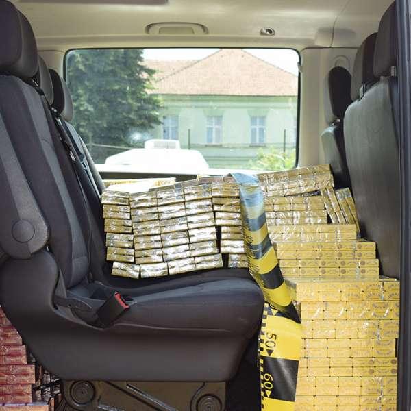 15.000 pachete cu ţigări de contrabandă, confiscate de poliţiştii de frontieră bihoreni