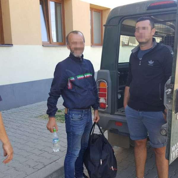 Doi bărbați din Albania și Kosovo, opriţi la granița cu Serbia
