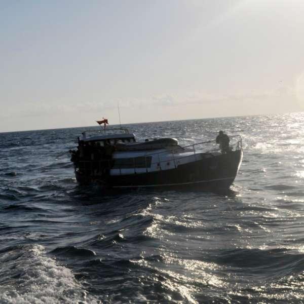 Cetăţeanul bulgar şi cel cipriot, cercetaţi pentru călăuzirea a 69 de migranţi irakieni pe Marea Neagră, au fost arestaţi preventiv pentru 30 de zile