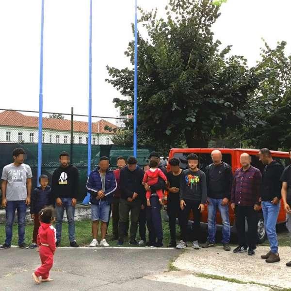 17 sirieni și irakieni care intenţionau să treacă ilegal frontiera, călăuziţi de un cetăţean turc, depistați la S.P.F. Diosig