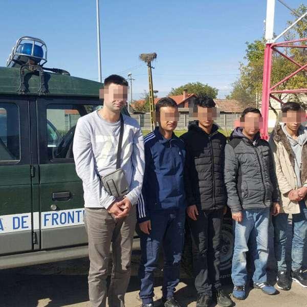 Patru  cetățeni irakieni şi o călăuză sârbă,  opriţi de poliţiştii de frontieră timişeni