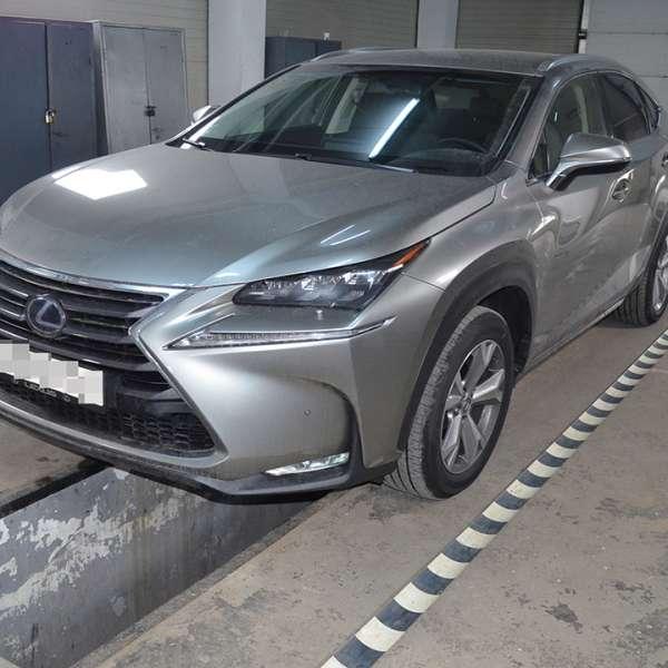 Lexus, în valoare de 40.000 de euro, căutat de autoritățile din Italia,  descoperit la P.T.F. Siret