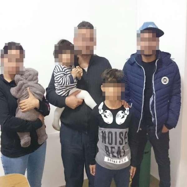 Familie de irakieni, oprită la frontiera cu Ungaria