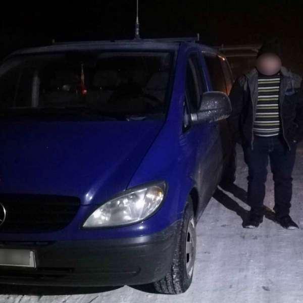 Șofer sub influenţa băuturilor alcoolice, depistat de polițiștii de frontieră la volanul unui Mereceds Benz