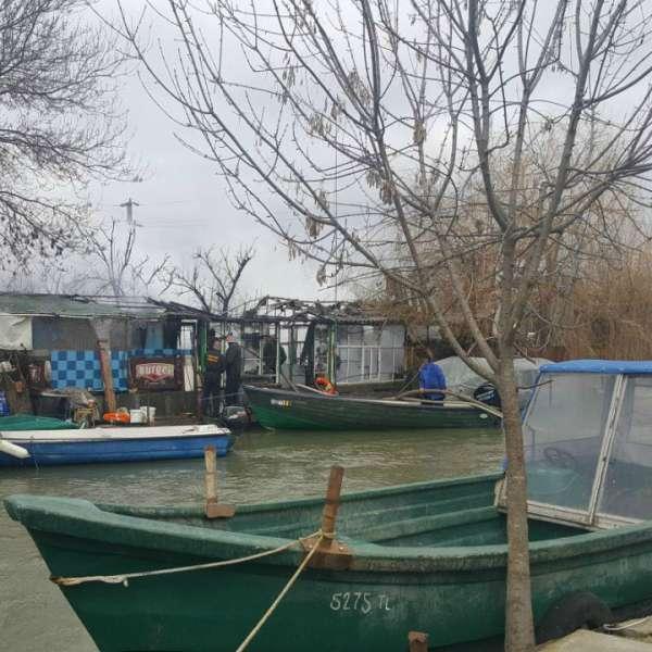 Polițiștii de frontieră împreună cu localnicii din localitatea Sulina au reușit să stingă un incendiu