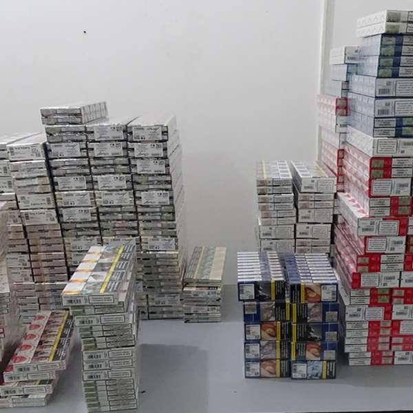 Aproximativ 2.400 pachete cu țigări, descoperite într-un  microbuz, la P.T.F. Giurgiu