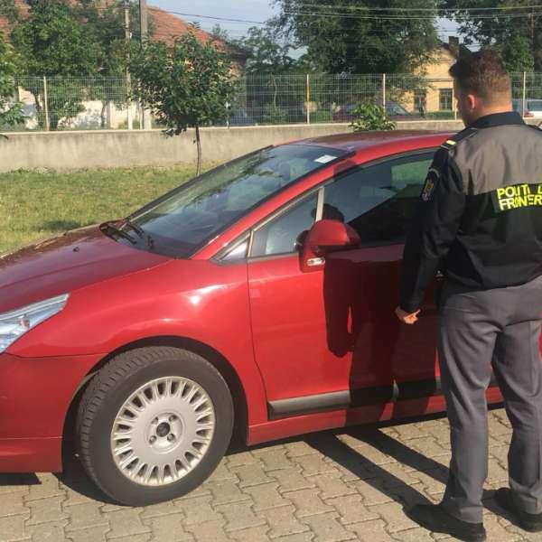 Autoturism căutat de autorităţile franceze, indisponibilizat de  poliţiştii de frontieră timișeni