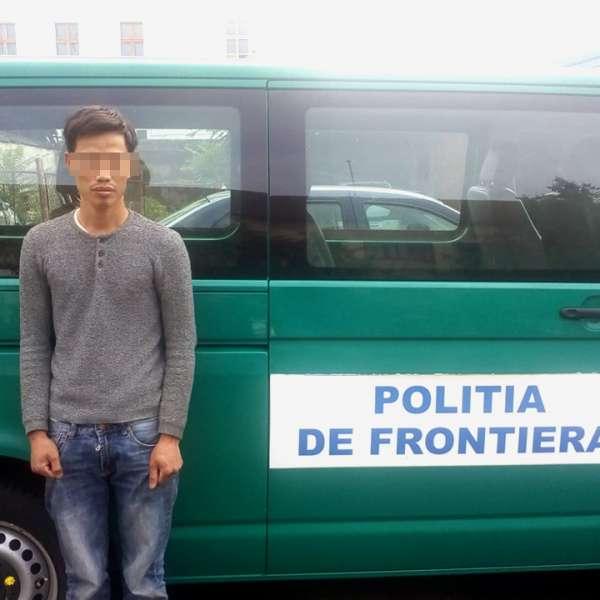Un cetăţean Vietnam, oprit la frontiera de vest