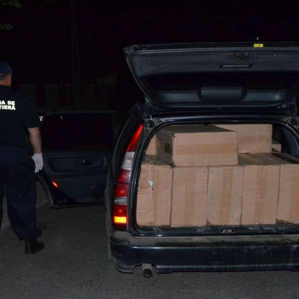 Volvo plin cu colete de contrabandă oprit la Crasnaleuca