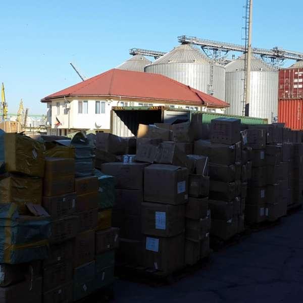 Piese de mobilier susceptibile a fi contrafăcute,  confiscate în Portul Constanţa Sud Agigea