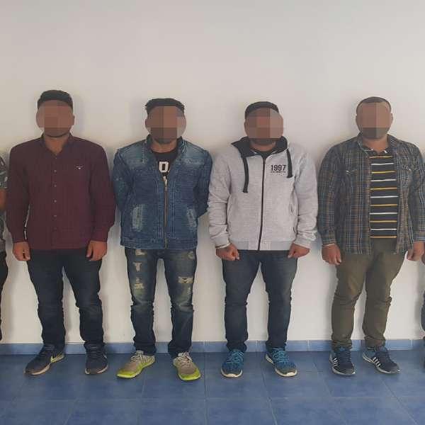 Șase cetățeni din India, opriți la frontiera de nord a țării
