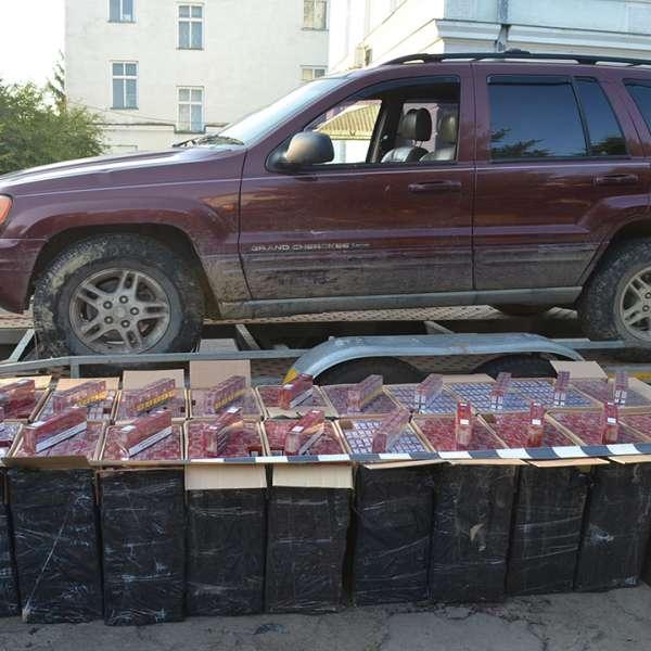 Peste 23.000 pachete cu țigări confiscate la frontiera de nord