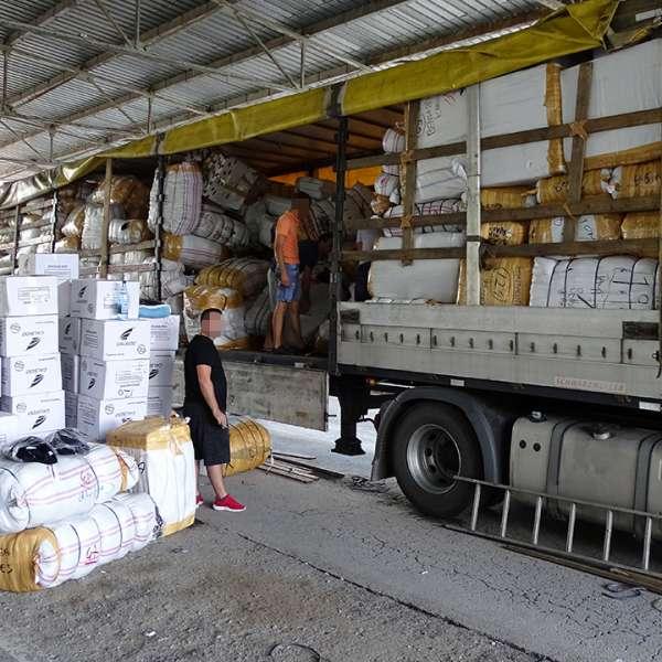 Peste 3.300 de articole textile susceptibile a fi contrafăcute, confiscate la P.T.F. Calafat
