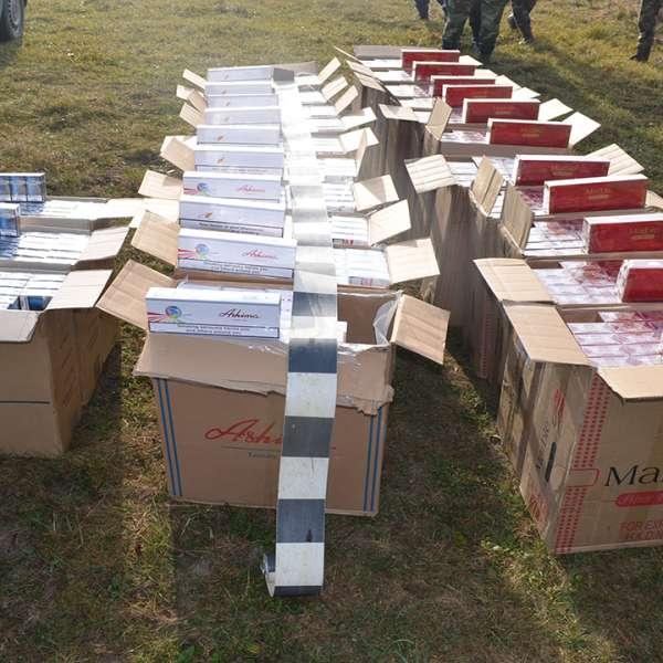 16.400 pachete cu țigări, confiscate la frontiera de nord