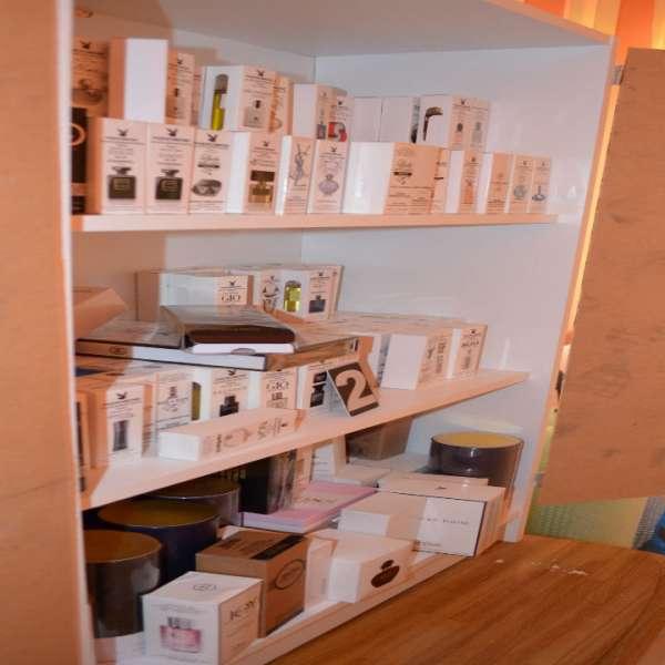 Parfumuri susceptibile a fi contrafăcute,confiscate de poliţiştii de frontieră gălăţeni şi brăileni