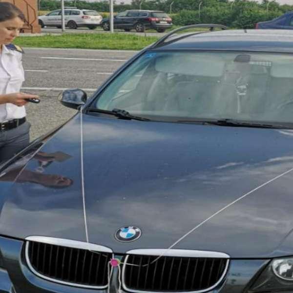 Autoturisme căutate de autorităţile din Marea Britanie și Italia, confiscate de poliţiştii de frontieră