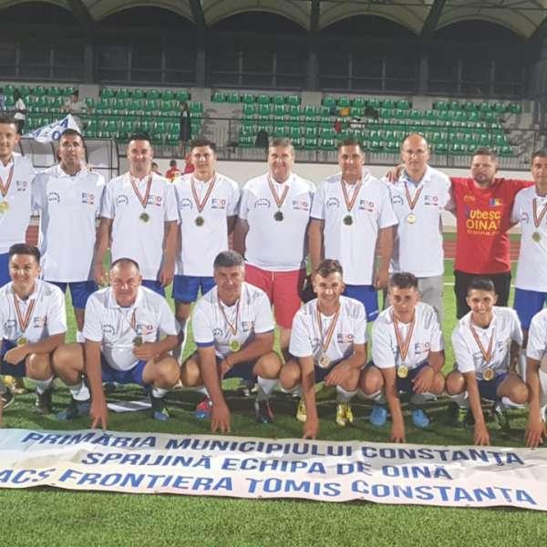 Echipa de oină Frontiera Tomis Constanţa, aur la Cupa României şi argint la Campionatul Naţional de oină pe plajă