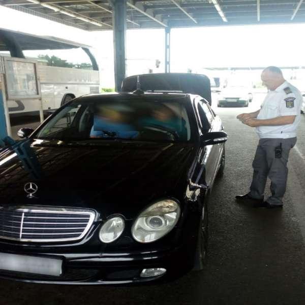 Vehicule radiate din circulaţie,descoperite în trafic de polițiștii de frontieră din P.T.F. Albiţa