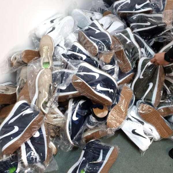 Bunuri în valoare de aproximativ 100.000 lei, susceptibile a fi contrafăcute,confiscate la P.T.F. Giurgiu