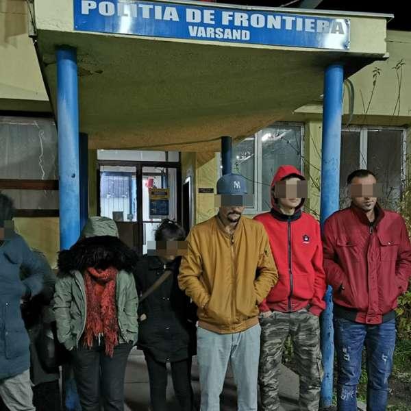 Douăzeci şi doi cetăţeni străini, călăuziţi de un cetăţean român,opriţi la frontiera cu Ungaria