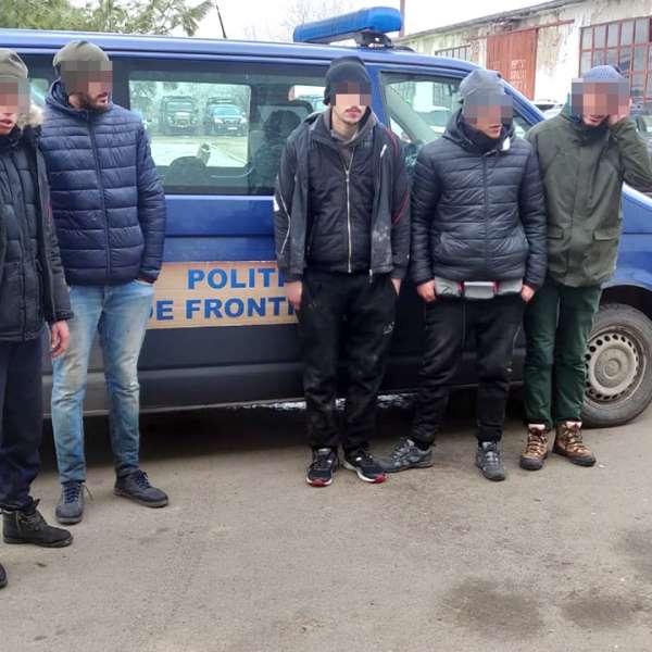 Şase cetățeni străini, opriţi la frontiera cu Ungaria