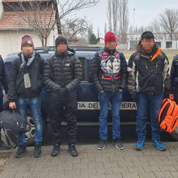 Opt tineri din Nepal, depistaţi de poliţiştii de frontieră din cadrul S.P.F. Jimbolia
