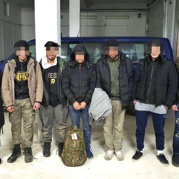 Şapte cetăţeni din Siria, Yemen şi Egipt, depistaţi trecând ilegal frontiera peste fluviul Dunărea, cu o ambarcaţiune