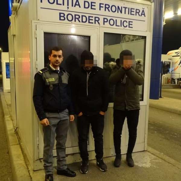 Doi tineri din Siria şi Iran ascunși într-un camion cu saltele, depistaţi la P.T.F. Calafat