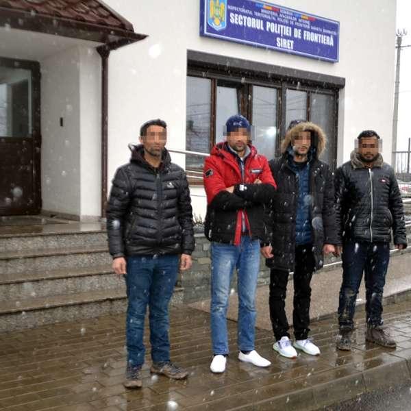 Cinci cetățeni din Pakistan și Bangladesh, opriți la frontiera de nord a țării
