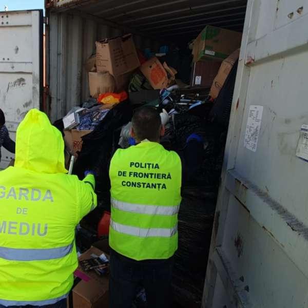 Alte containere cu deșeuri depistate în Portul Constanţa
