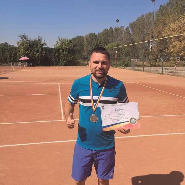 Poliţist de frontieră, campion la tenis de câmp