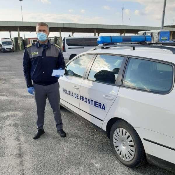 Doi polițiști de frontieră în misiune la P.T.F. Hegyeshalom - Nikelsdorf, de la graniţa ungaro-austriacă