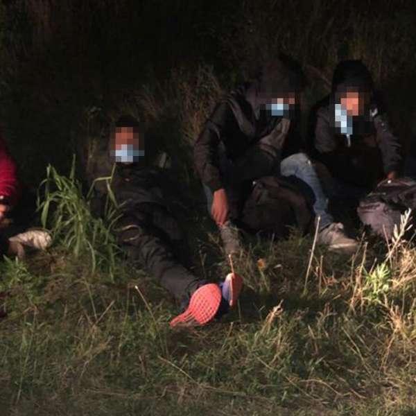 Șase sirieni, depistaţi trecând ilegal frontiera peste fluviul Dunărea, cu o ambarcaţiune