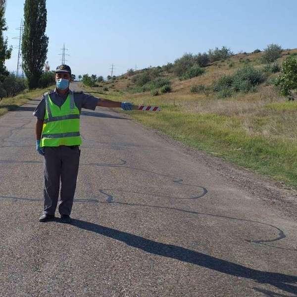 Autorul unui accident rutier depistat la volan,deşi avea dreptul de a conduce suspendat