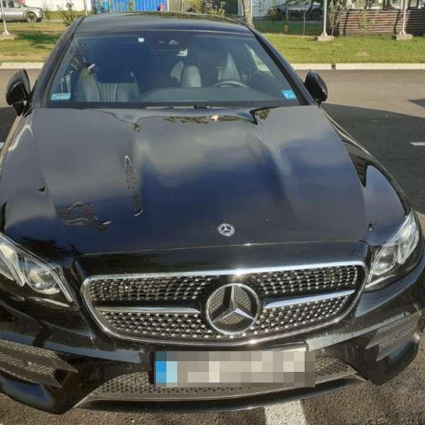 Mercedes în valoare de 87.000 euro, căutat de autoritățile din Polonia, descoperit în P.T.F. Siret