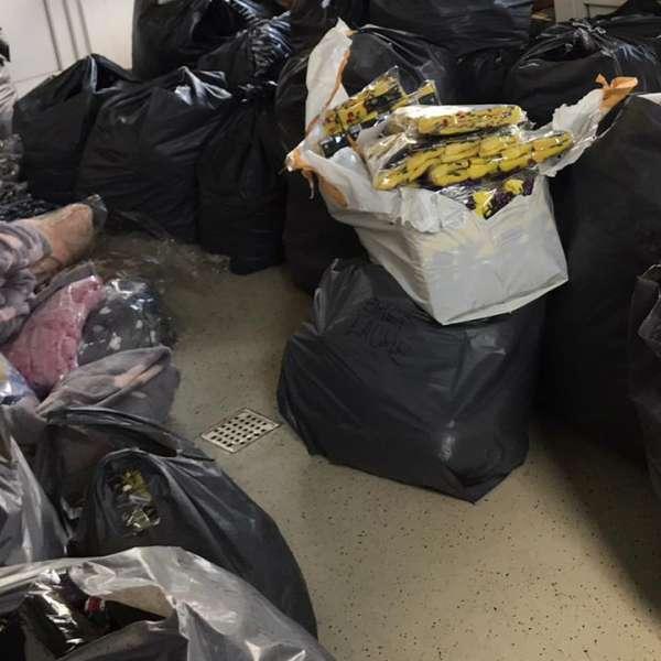 Articole vestimentare susceptibile a fi contrafăcute, confiscate în P.T.F. Vama Veche