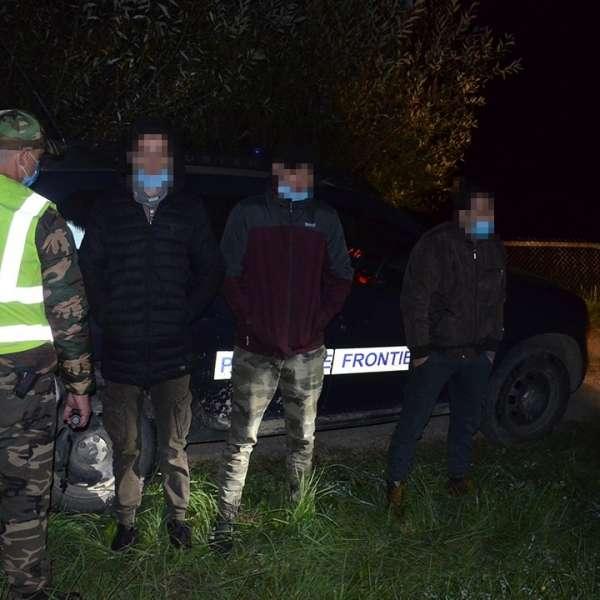 Trei cetățeni din Algeria opriți la frontiera de nord a țării