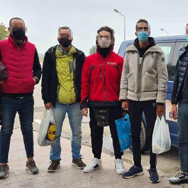 Doisprezece cetățeni din Afganistan, Maroc, Algeria şi Turcia,opriţi la graniţa cu Ungaria