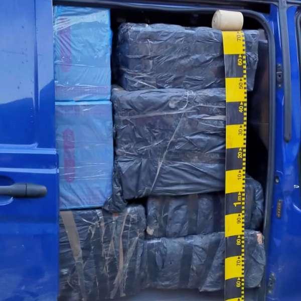 Acţiuni intense la graniţa de nord - peste 54.000 de pachete cu țigări de contrabandă reținute