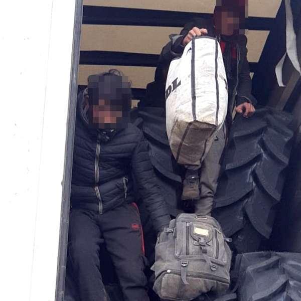 31 de cetăţeni Afganistan, Siria şi Pakistan, depistați de poliţiştii de frontieră de la Nădlac şi Vărşand