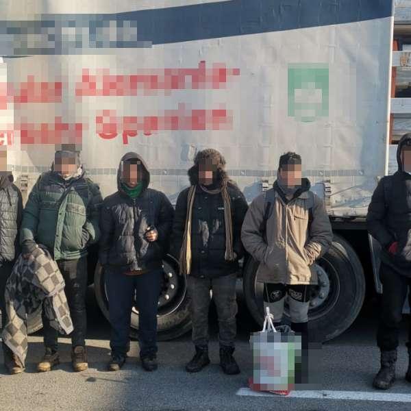 29 de cetăţeni din Afganistan, Pakistan, Tunisia şi Marocdepistați de poliţiştii de frontieră arădeni