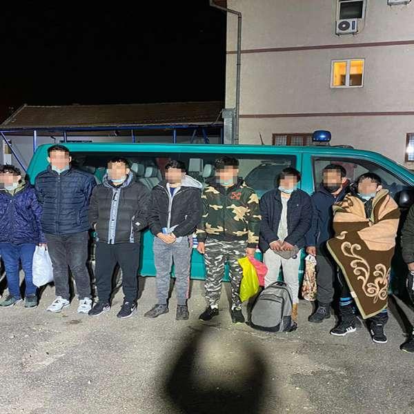 Afgani opriți din drumul ilegal către Germania