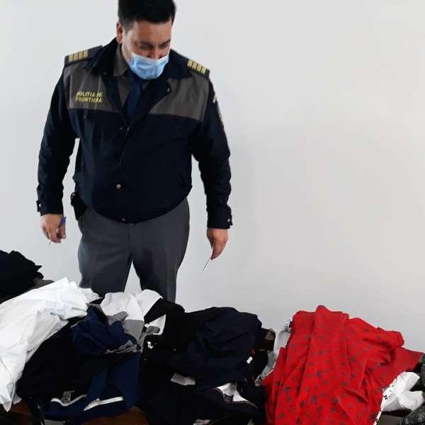 Articole vestimentare contrafăcute descoperite la S.P.F. Ostrov
