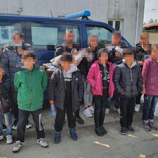 Cetăţeni străini, printre care zece copii, depistaţi de poliţiştii de frontieră la malul fluviului Dunărea